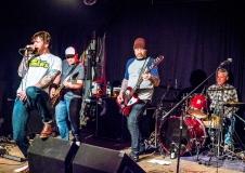 Dan Dryers live auf dem Tank mit Frank Geburtstagsfestival im Skaters Palace