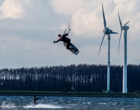 Wind/-Kitesurfer auf Fehmarn am Wulfener Hals